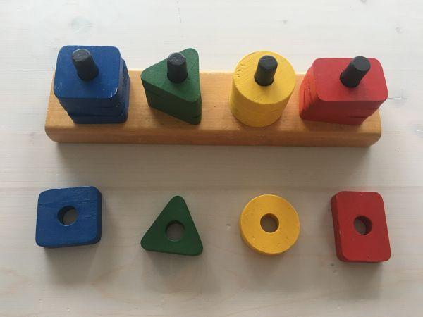 Formenspiel 16-teilig, flach farbig