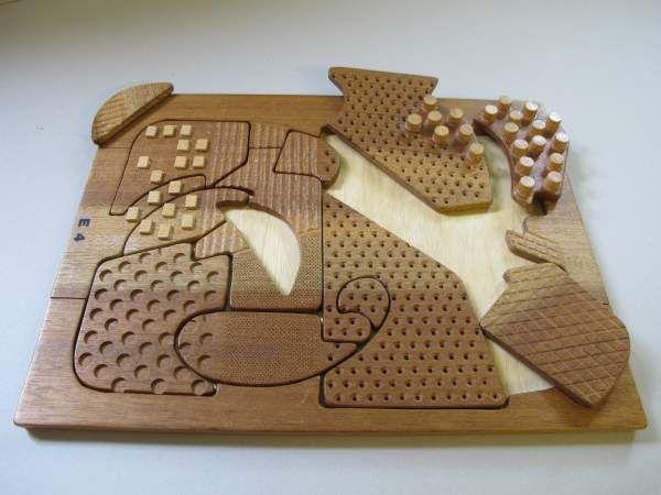 Struktur-Holzpuzzle